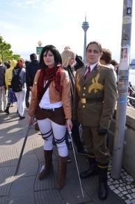 Attack on Titan Cosplays sind wohl auch dieses Jahr noch in. :) Mikasa Ackermann kann übrigens nicht freundlich gucken. ;)