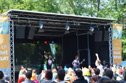 """Die J-Rock-Band """"ZWEI"""" beim Abgehen. ^^"""